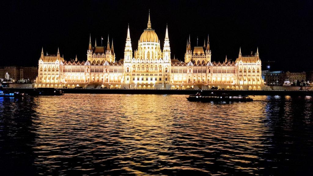 Le Parlement  à Budapest en Hongrie