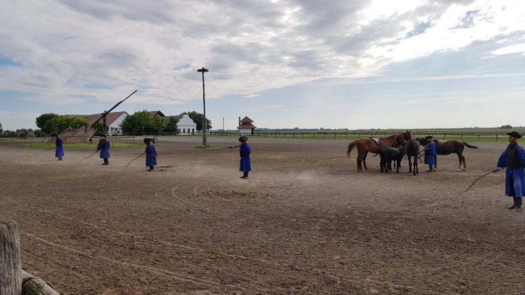 """Démonstration des gardiens de chevaux """"Csikos"""""""