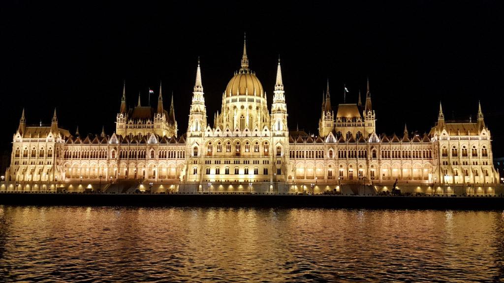Départ de nuit de Budapest